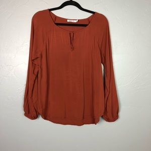 🐢Just Fab blouse size S.
